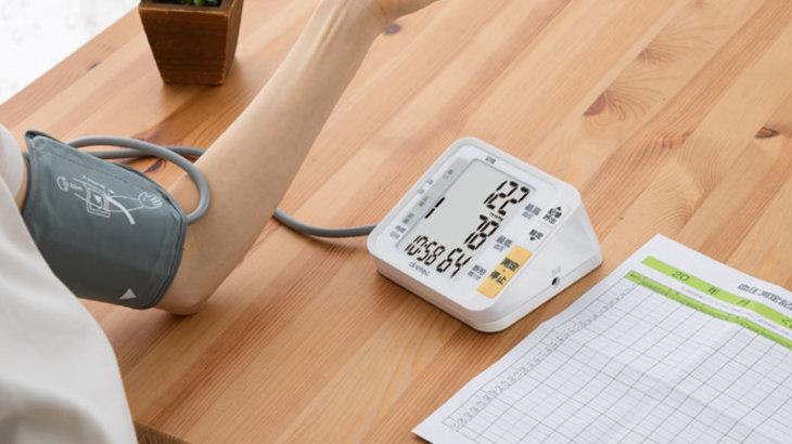 血圧計のおすすめ人気ランキング12選 オムロンの手首式やスマホ連動も