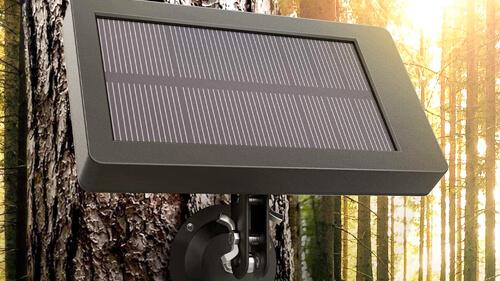 ソーラーパネル対応のトレイルカメラだと長時間録画が可能