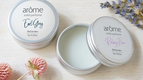 練り香水ジャータイプ 塗る量を調節しやすくはじめての方におすすめ