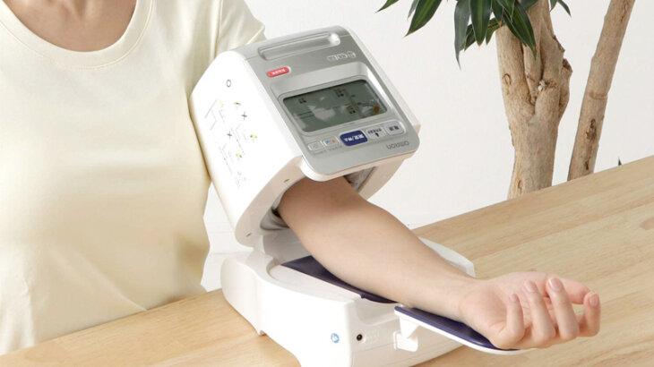正確性が高い血圧計のおすすめ人気ランキング5選!上腕アームイン式