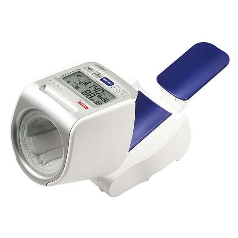 正確性が高い血圧計 HEM-1021 オムロン