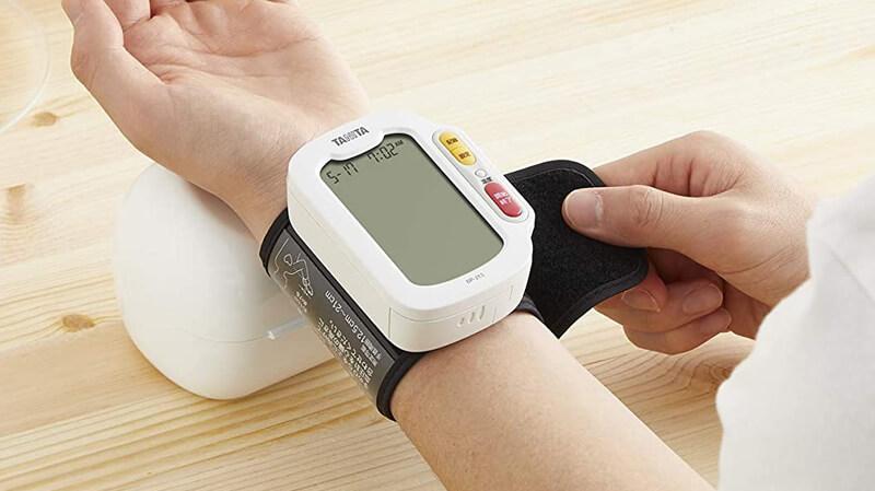 手首式血圧計の精度と上腕式血圧計との違いについて